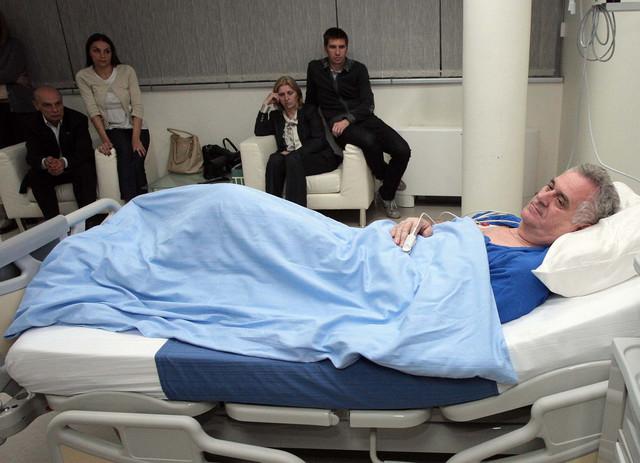 Tomislav Nikolić u bolničkom krevetu