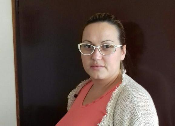 Monika Vulić je raspoređena na rad u butiku u Pierotu koji je od Kruševca udaljen 140 kilometra!