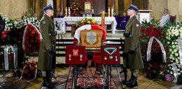 Na pogrzebie Aliny Janowskiej ktoś ukradł jej odznaczenia? Znamy prawdę