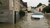 Samochody po powodziach zalewają Polskę! Jak je rozpoznać?