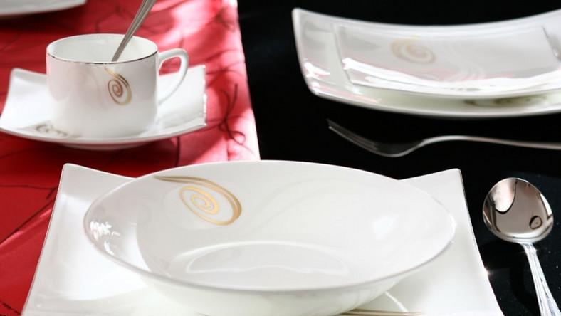 Kwadratowa porcelana z włoskiej willi
