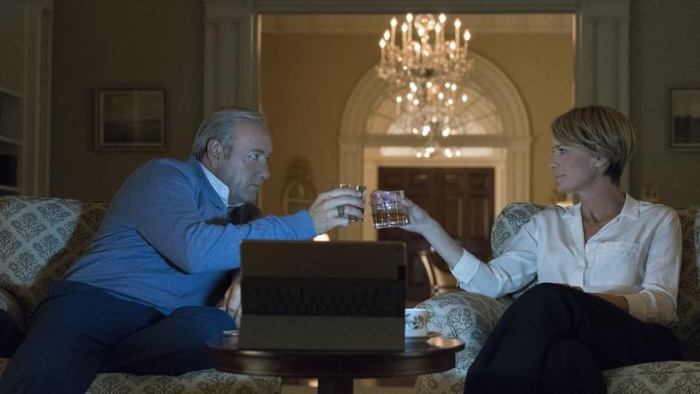 W piątym sezonie na związku Francisa i Claire Underwoodów, uchodzących do tej pory za największych sojuszników, pojawią się pierwsze rysy.
