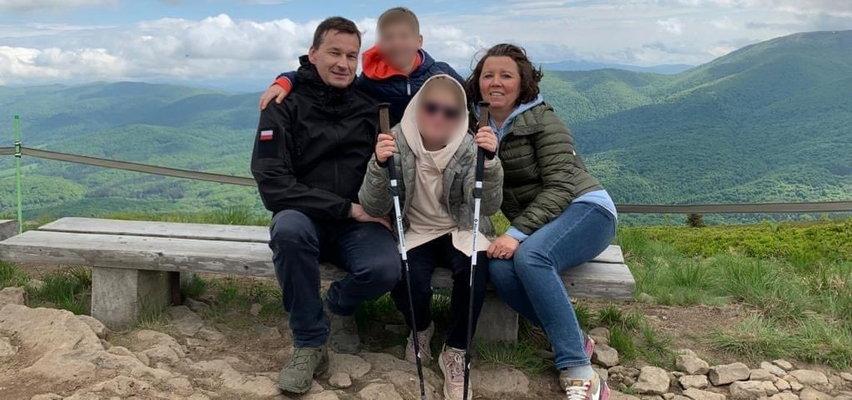 Premier rzucił wszystko i wyjechał z rodziną w Bieszczady. Zdjęcia