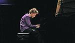 Nije imao klavir a postao je SVETSKI POZNATI PIJANISTA