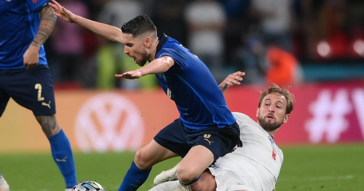 Włochy-Anglia. Jorginho i Emerson dołączyli do legend. Wygrali ...