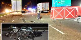 Makabryczny wypadek na A1. Siła zderzenia wyrzuciła kierowcę na jezdnię. Porażające zdjęcia