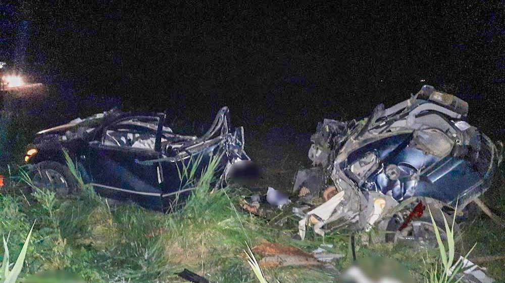Horrorbaleset Szolnoknál: kamion és kisbusz rohant egymásba, többen meghaltak