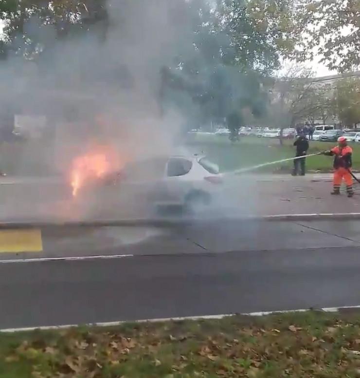 gradska čistoća automobil požar