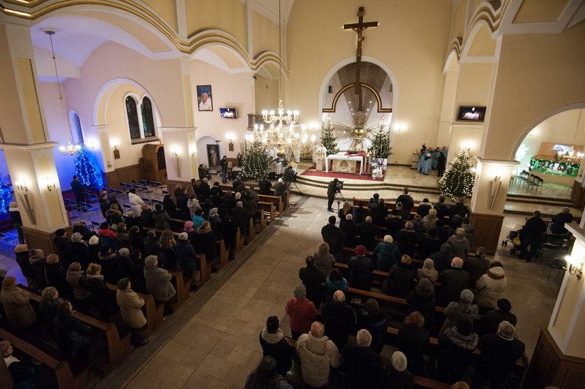 Kościół pełen ludzi