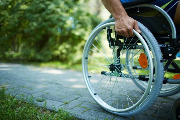 niepełnosprawni inwalida wózek inwalidzki