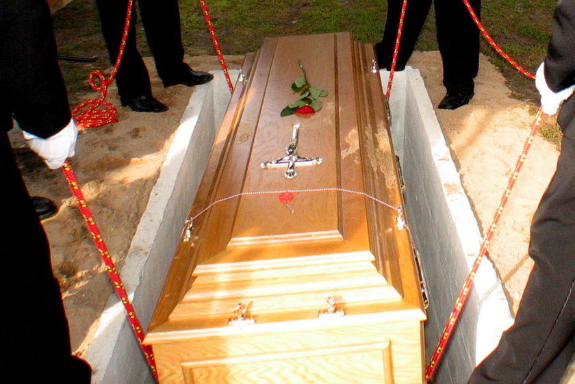 W Krakowie zaczynają tworzyć się kolejki na pogrzeb - informują tamtejsi urzędnicy.