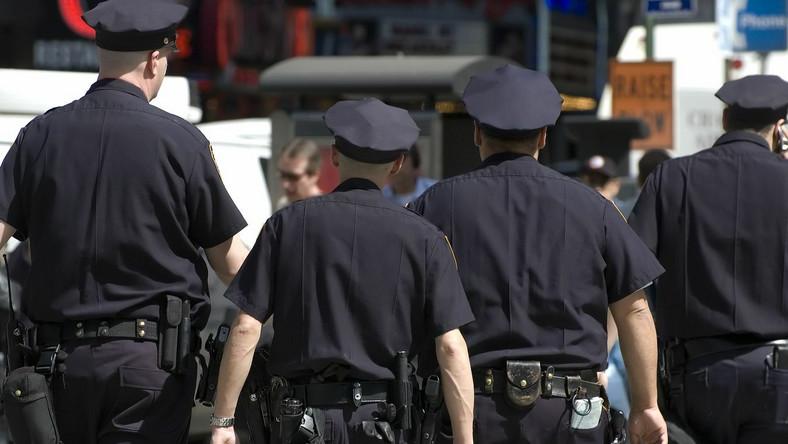 Policjanci na Manhattanie w Nowym Jorku