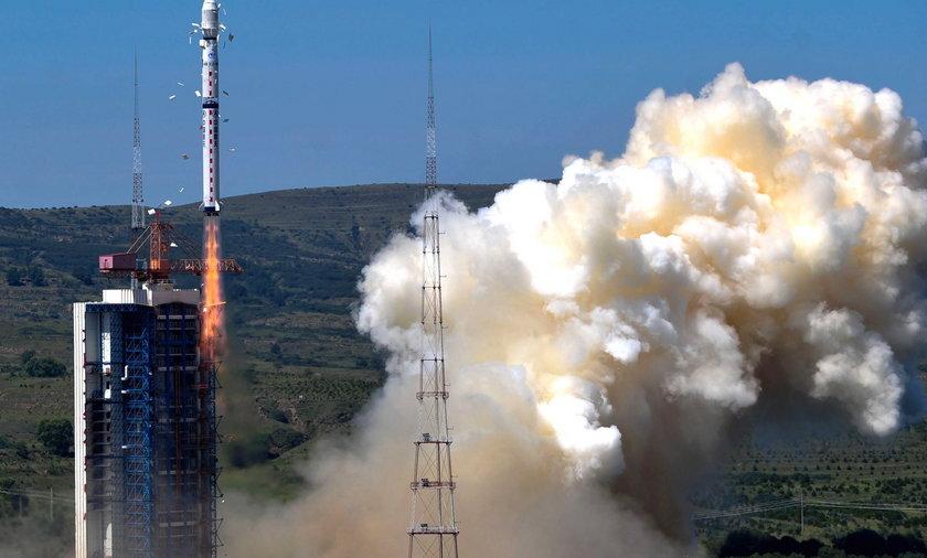 Chinska rakieta wynosi w kosmos polskiego satelite