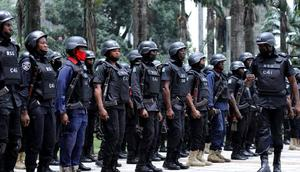Nigerian police officers (Guardian)