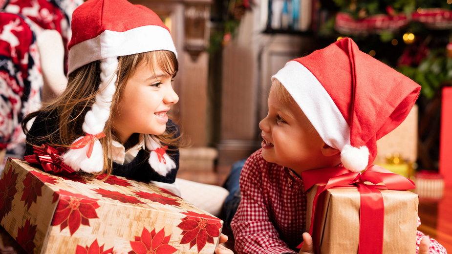 Czas otwierania prezentów świątecznych
