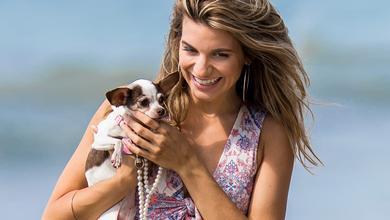b0ed01e9311a0f Śliczna Rachel McCord w stroju kąpielowym na plaży w Malibu - co za ciało!