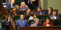 Polskę zżera rak biurokracji. Spotkał Cię absurd w urzędzie? Napisz do nas!