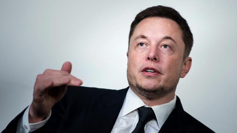 Elon Musk chce ograniczeń produkcji inteligentnej broni