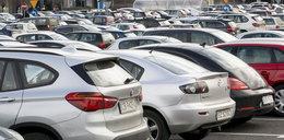 Co z parkowaniem w miastach?