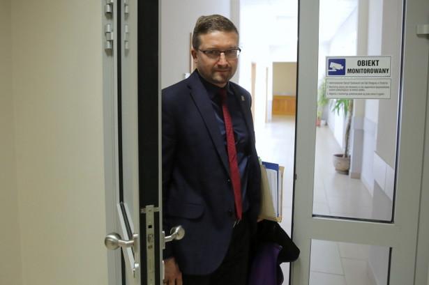 Na skutek zarządzenia Macieja Nawackiego, prezesa Sądu Rejonowego w Olsztynie, sędzia Elżbieta Zdunek – Szepietowska zdecydowała się przystąpić do rozpoznania jednej ze spraw odebranych sędziemu Pawłowi Juszczyszynowi – wynika z oświadczenia, do którego dotarła DGP.