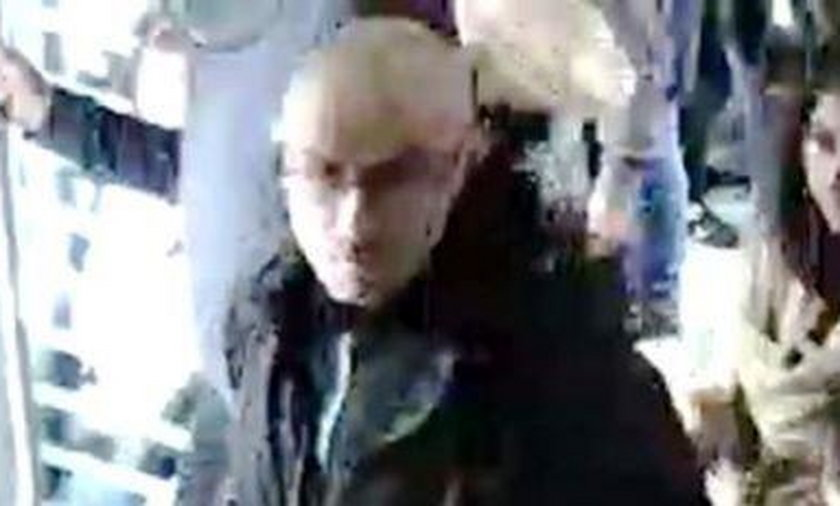 Zaatakował kobietę z Algierii w tramwaju. Jest poszukiwany