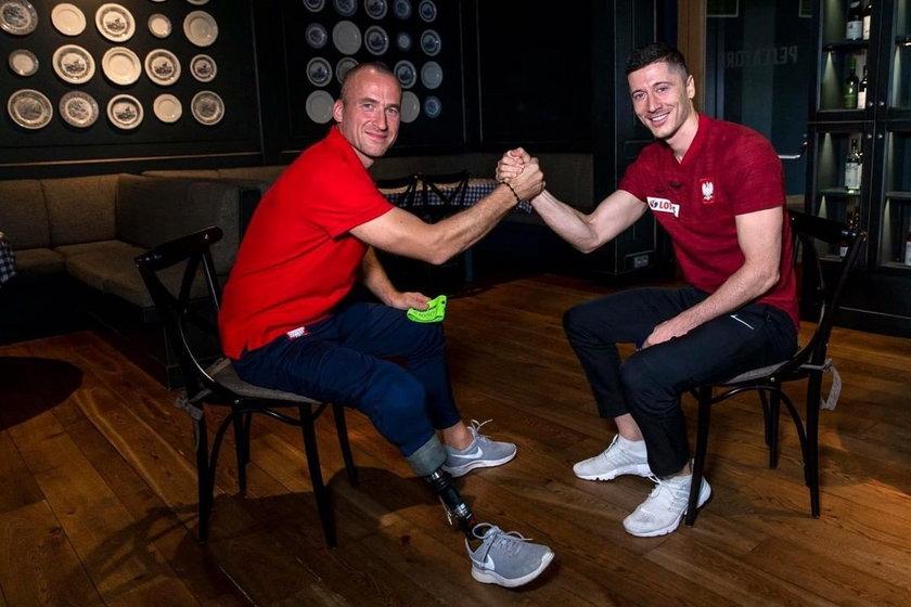 Od tancerza zespołu ludowego do kapitana reprezentacji Polski w trakcie mistrzostw Europy w ampfutbolu - taką drogę przebył Przemysław Świercz (41 l.).