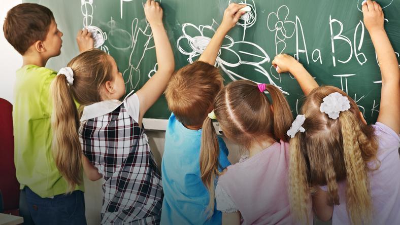 Dzieci, które jedzą śniadanie, lepiej radzą sobie w szkole