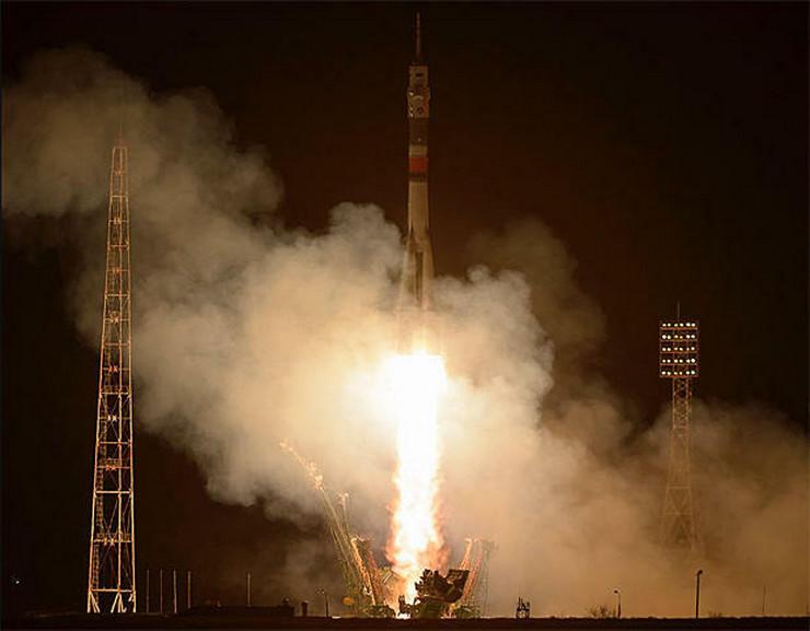Sojuz poleteo sa troje astronauta