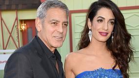 George Clooney i Amal Clooney rozdali współpasażerom lotu tajemnicze prezenty...