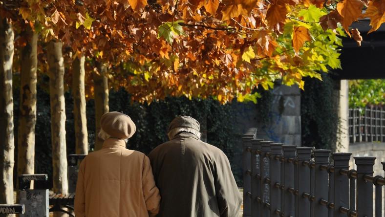 Polacy chcą odwrócenia reformy emerytalnej. SONDAŻ DGP