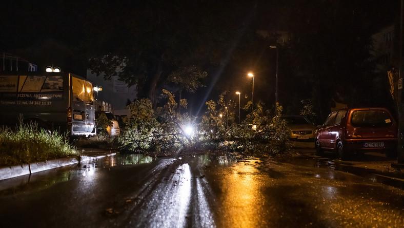 Skutek nocnej burzy w Płocku