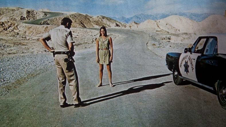 """Kadr z filmu """"Zabirskie Point"""""""