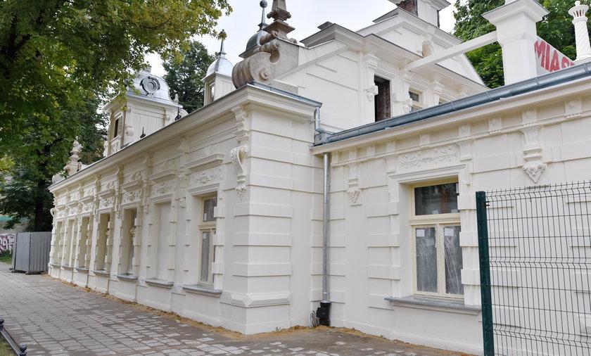 Dom Otto Gehliga przy Tuwima w Łodzi po remoncie odzyskał zabytkowy witraż i polichromie