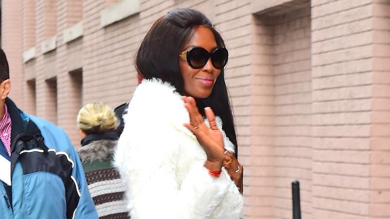 Naomi Campbell w białym futrze. Hit czy kit?