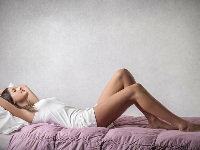 Zbog ovih 5 trikova mi je u spavaćoj sobi prijatno i BEZ KLIME: Otkad spavam u OVOJ POZI, ne smeta mi ni 40 stepeni!