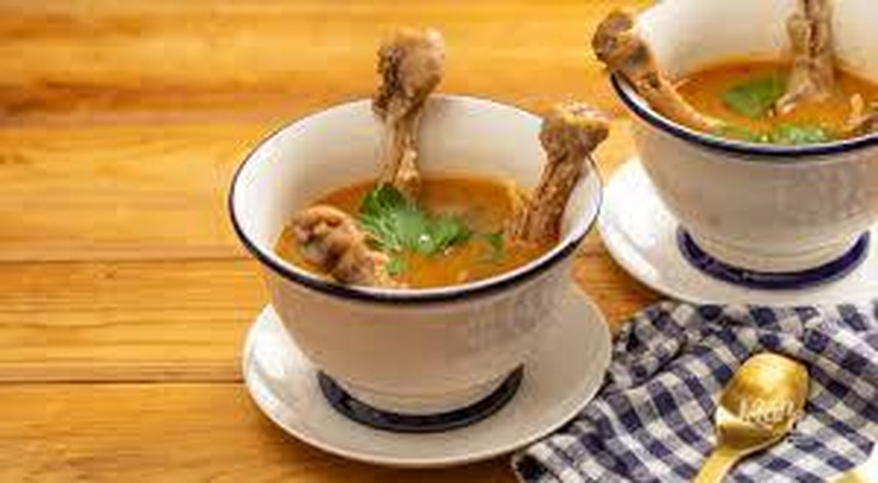 How to prepare chicken feet light soup
