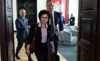 Jak minister Elżbieta Witek została opiekunką ochotniczych strażaków