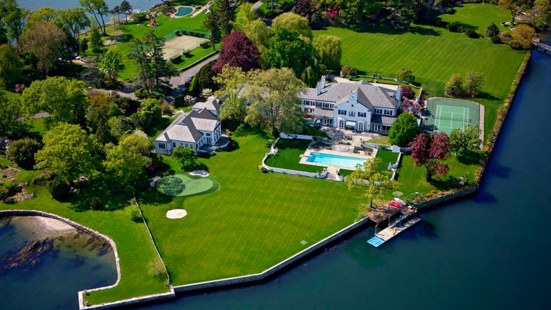 Donald and Ivana Trump's former mansion sits on a six-acre peninsula in Greenwich, Connecticut. They bought the estate for $4 million in the early 1980s.