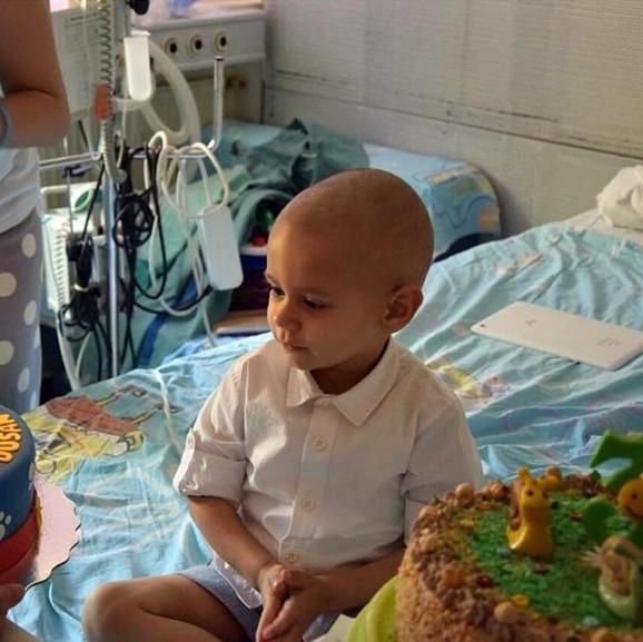 Dušan Todorović u bolnici tokom ranijeg lečenja od opasnog tumora