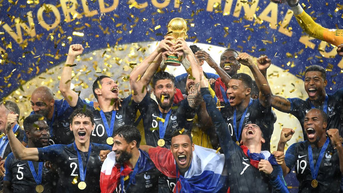 Ki ül Európa focitrónjára?  Fogadóirodák és sztárok segítségével próbáltuk megtippelni az idei Eb-győztest