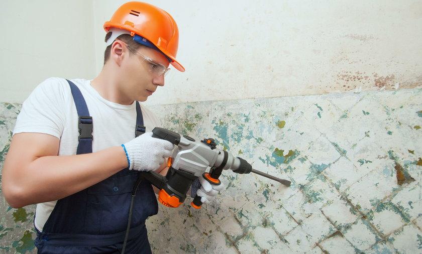 Ekipa budowlana znalazła w ścianie tysiąc ludzkich zębów