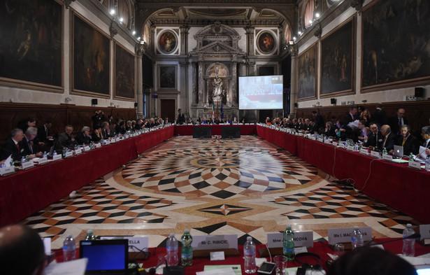 Debata nad nowelizacją, m.in. zmieniającą zasady inwigilacji, jest w planie prac Komisji.