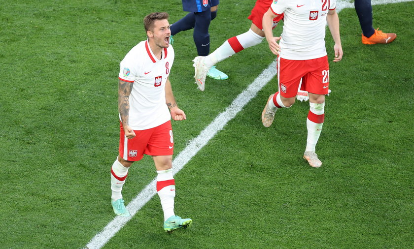 Karol Linetty strzelił wyrównującą bramkę dla P:olski w meczu na Euro 2020 przeciwko Słowacji. Polacy przegrali 1:2