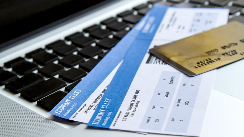 bilet lotniczy, rezerwacja fot. shutterstock