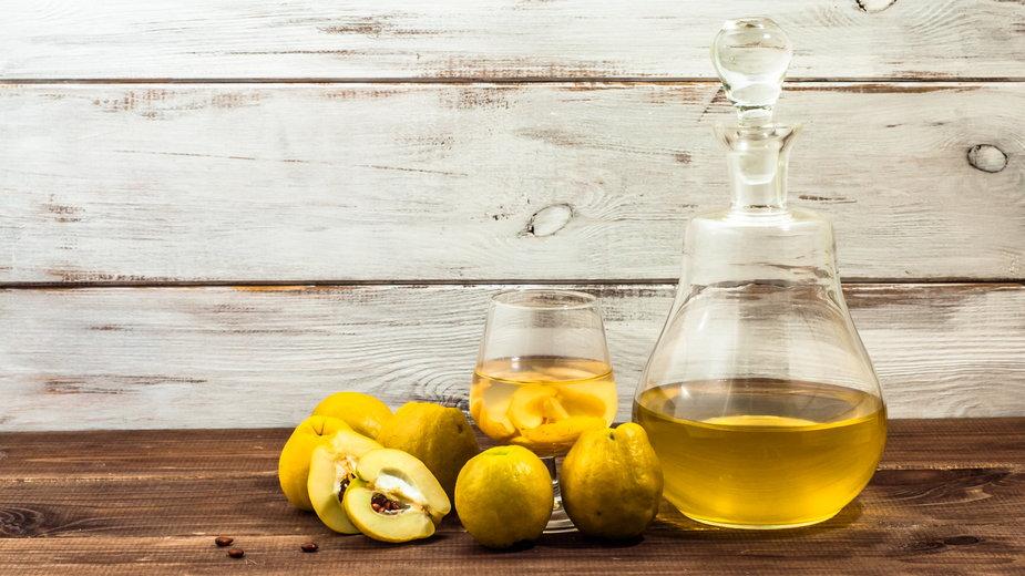 Wino z pigwy - alicja neumiler/stock.adobe.com