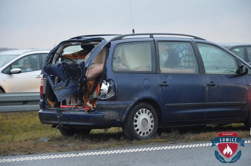 Wypadek na A2. 19-latek wbiegł pod autobus
