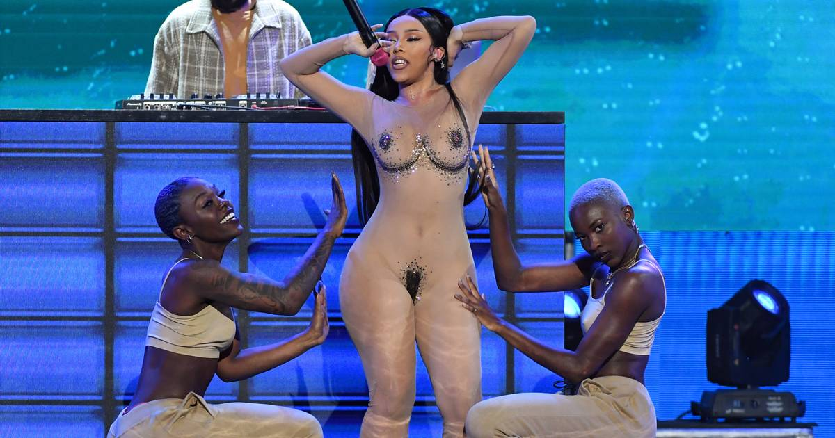 "Porno-Awards: Die 12 skurrilsten Outfits der ""Oscars of Porn""-Stars"