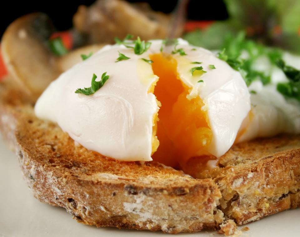 Kto powinien ograniczyć spożywanie jaj