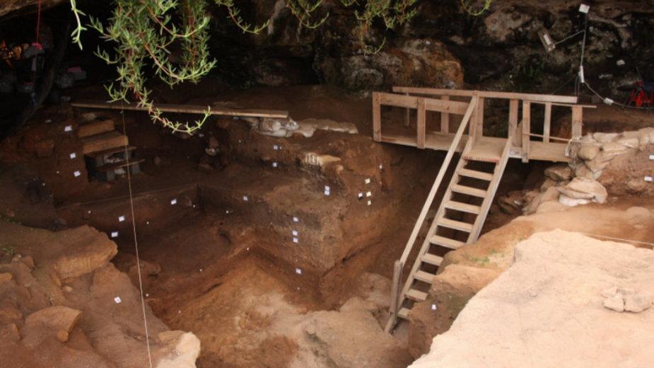 Szwalnia sprzed 120 tys. lat, fot. Contrebandiers Project