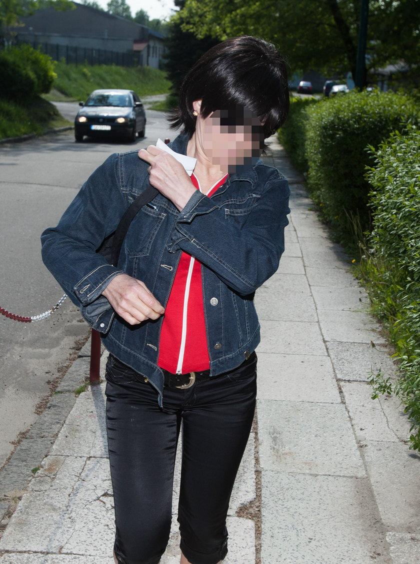Małgorzata G. w drodze na rozprawę